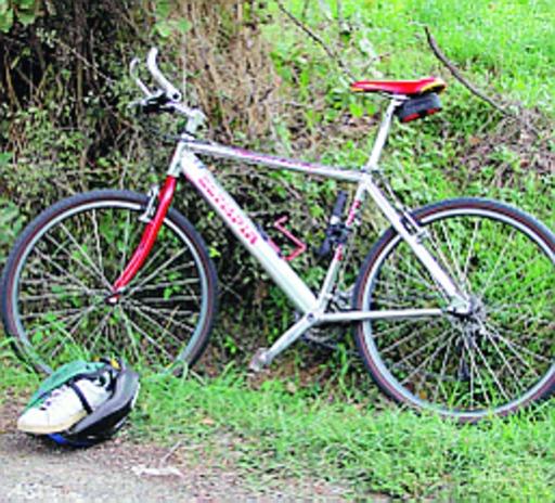 Via Cella: paura per due ragazzini investiti in bici