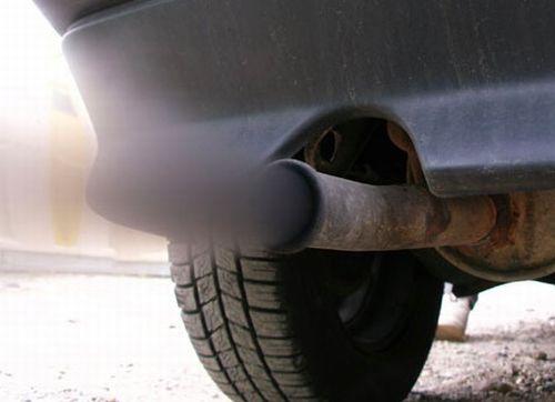 Inquinamento alle stelle, oggi in città fermi anche i veicoli diesel Euro 4