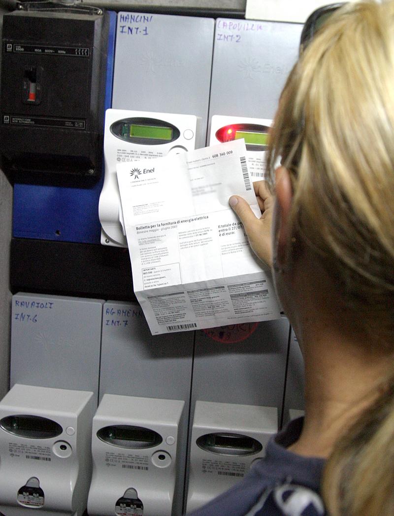 Famiglie salvaEnergia: 1000 euro di contributi per chi risparmia sulla bolletta