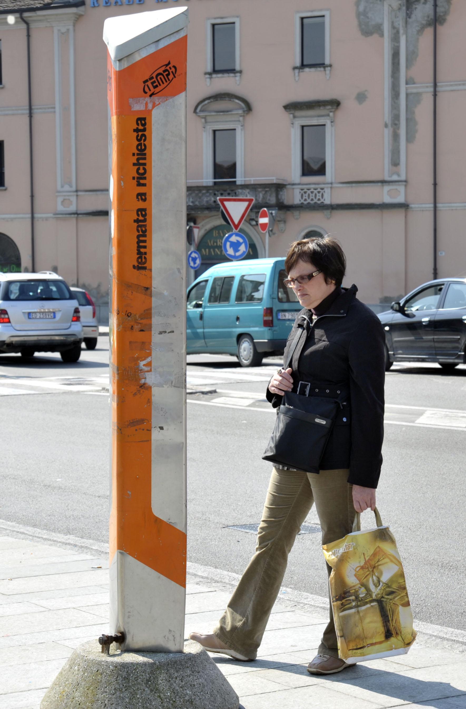 Troppi autisti in malattia, saltano molte corse dei bus. L'ira di Seta