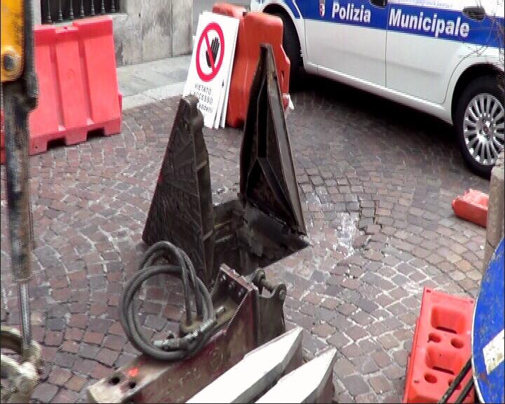Stradone Farnese giovedì chiuso per lavori. Attenzione ai divieti