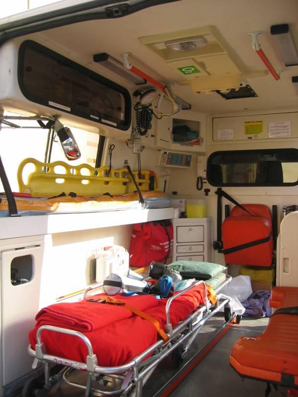 ambulanza interno 01