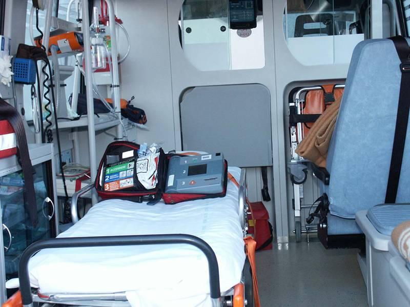 ambulanza interno 06