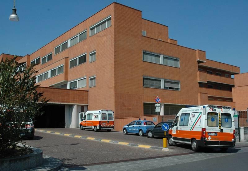 """""""Ostaggi"""" nel parcheggio dell'ospedale dopo la visita al Pronto soccorso"""