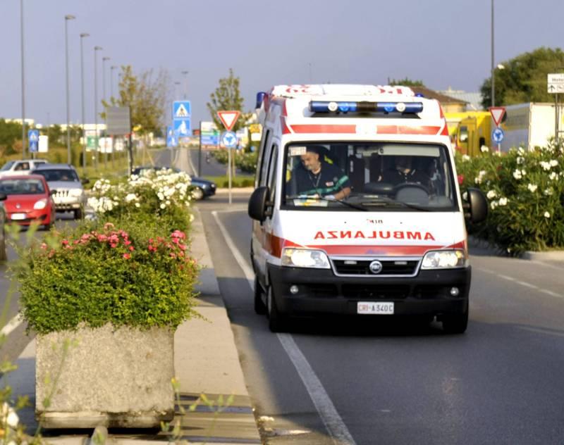 ambulanza sulla caorsana 01