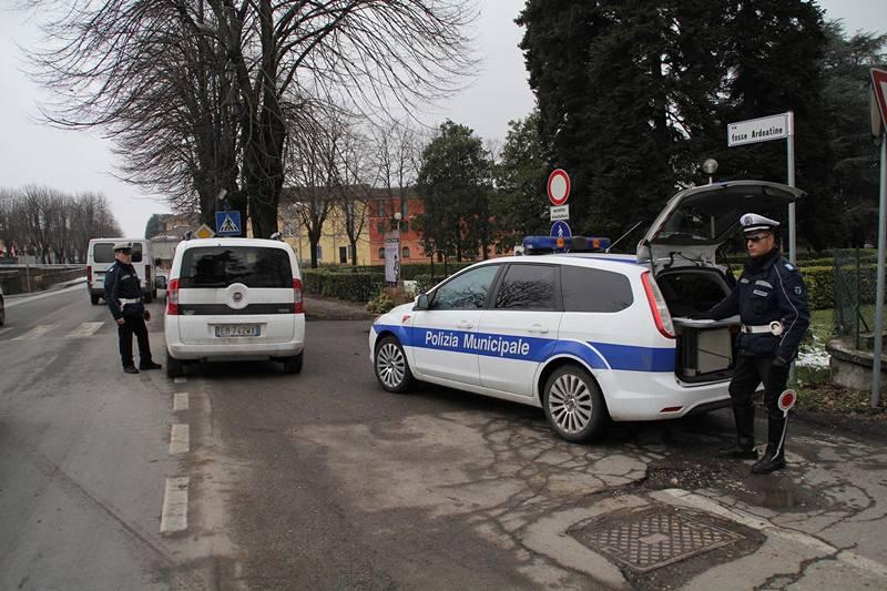 controlli vigili urbani polizia municipale provincia 01
