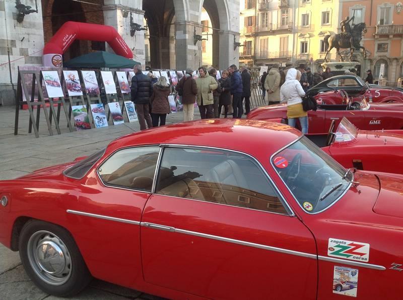 Auto storiche in piazza Cavalli