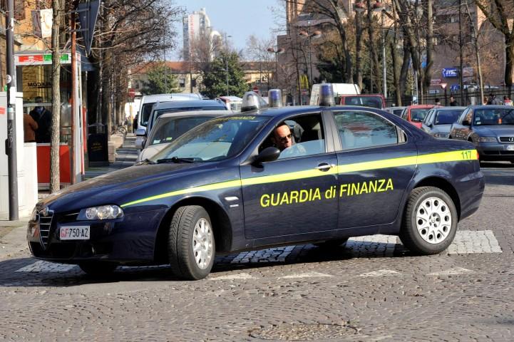Truffe per 3,5 milioni di euro, scoperti sub-agenti assicurativi