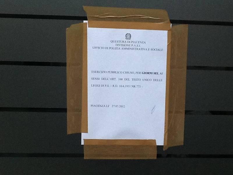 Risse in via Pozzo, la polizia chiude un bar per sei giorni