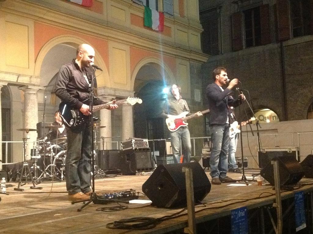 Omeofest 2013: i Cani della Biscia riscaldano Piazza Cavalli