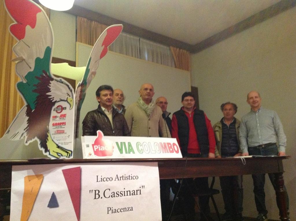 Via Colombo accoglie gli Alpini con 24 aquile realizzate dal liceo Cassinari