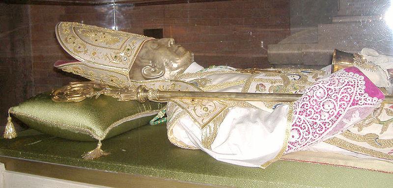 La tomba profanata del Beato Scalabrini