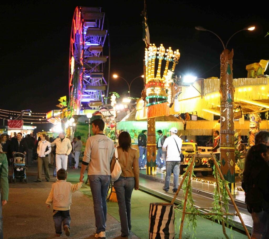 Weekend di eventi: mercato del vintage in piazza e il Luna Park con una nuova attrazione