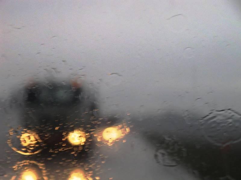 pioggia auto 02