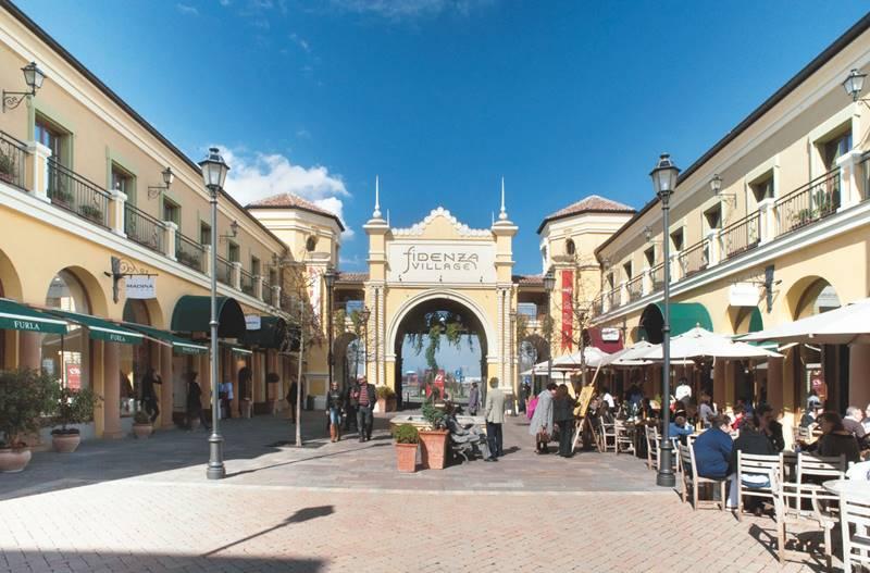 Lavorare in tempo di crisi l outlet fidenza village for Mostre a parma