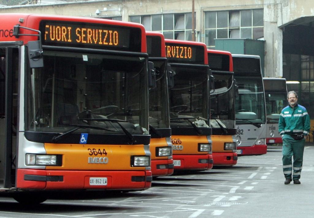 Autobus fuori servizio per sciopero