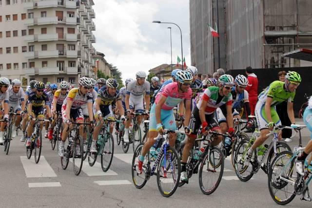 Giro d'Italia a Piacenza, ciclisti in gara