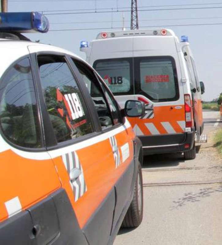 ambulanza e auto medica