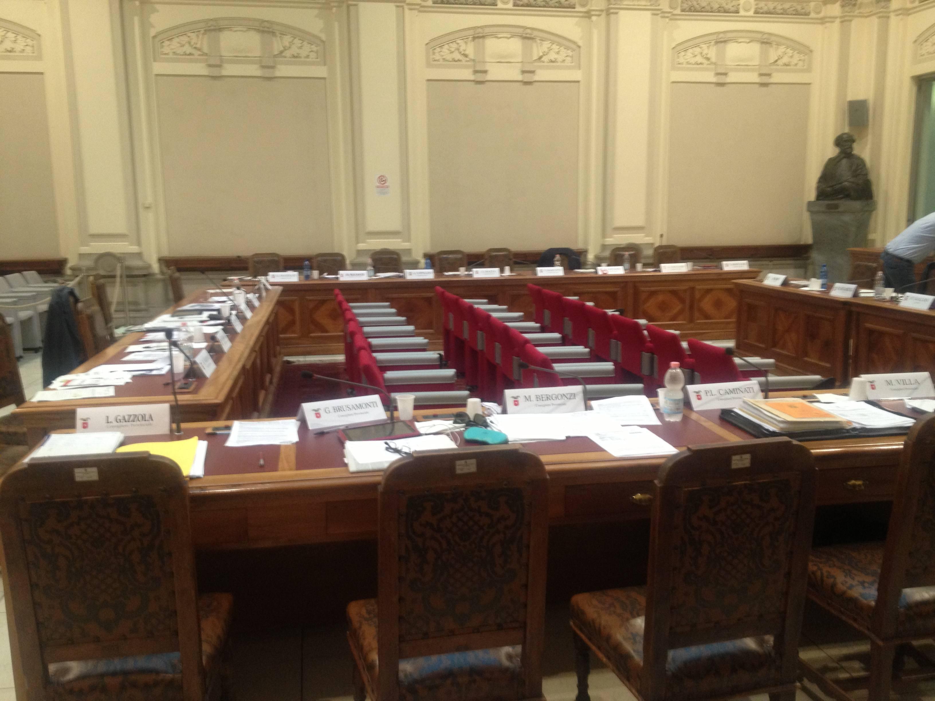 Il consiglio provinciale sospeso