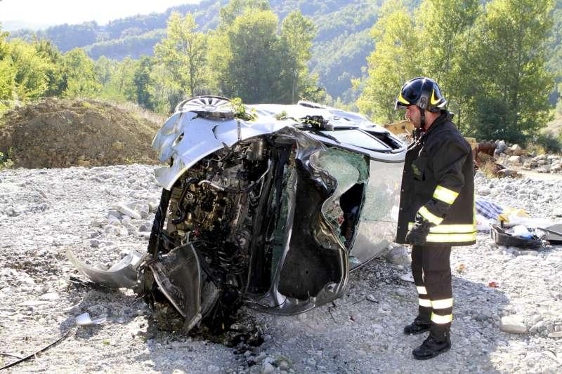 incidente stradale a Roncovero di Bettola (2)