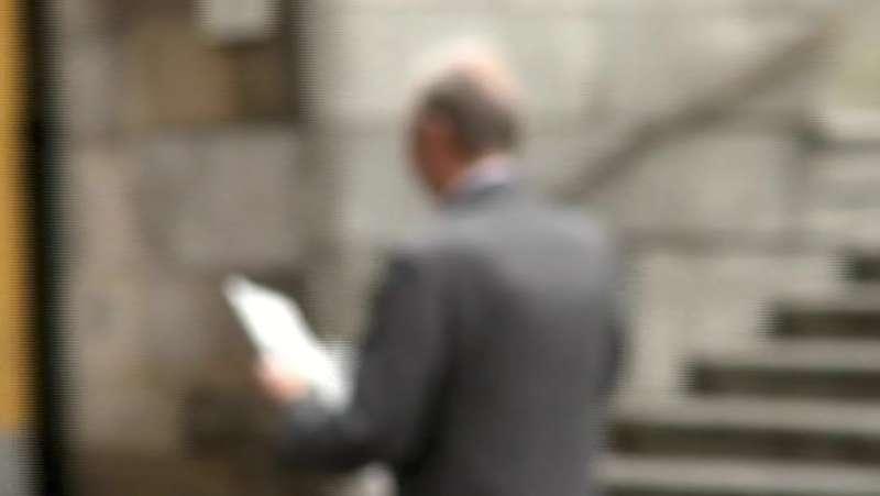 Anziano avvicinato da due donne distinte: sparisce l'orologio da 5mila euro