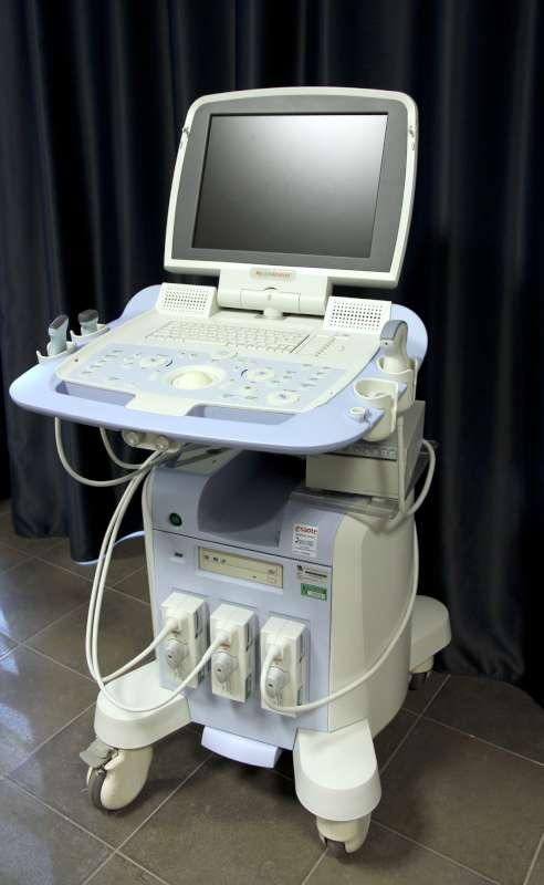 Donazione ecografo all ospedale di Fiorenzuola (2)-800