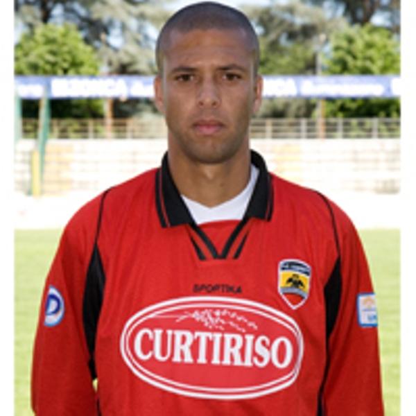 Il difensore brasiliano Andersson Santos: interessa al Piacenza