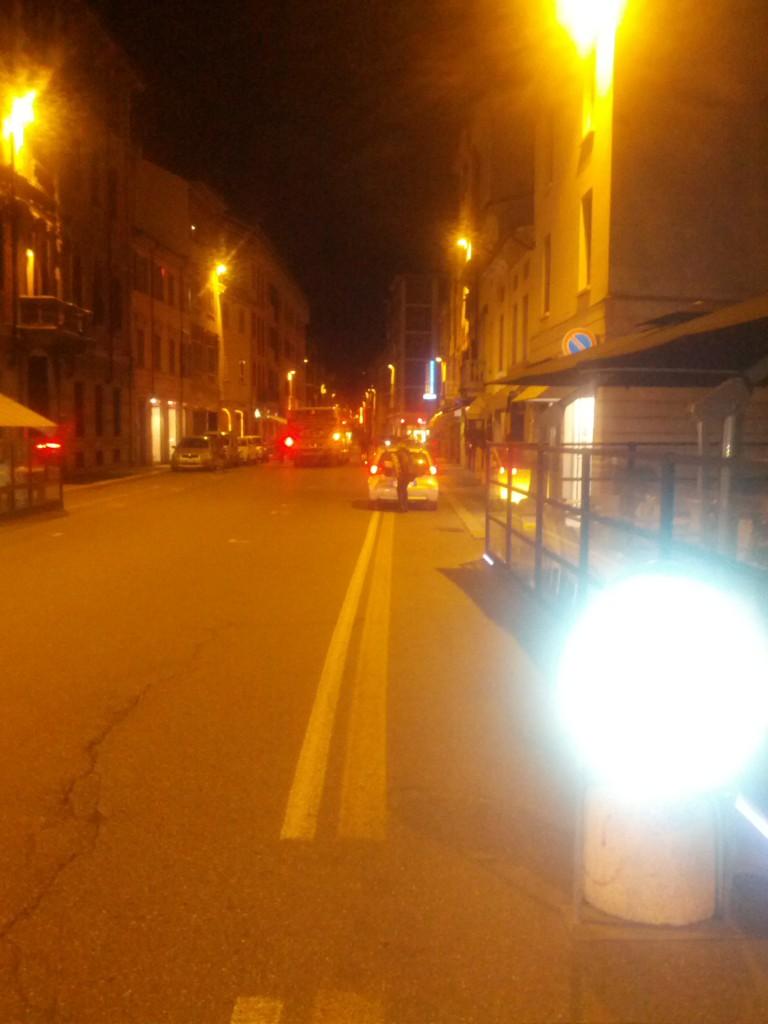 Auto parcheggiate sulle ciclabili (1)