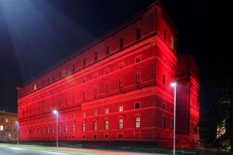 Palazzo Farnese illuminato contro la pena di Morte per Amnesty International (4)