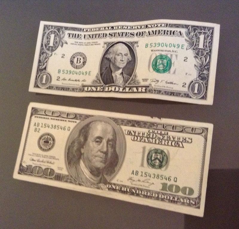 Dollari falsi