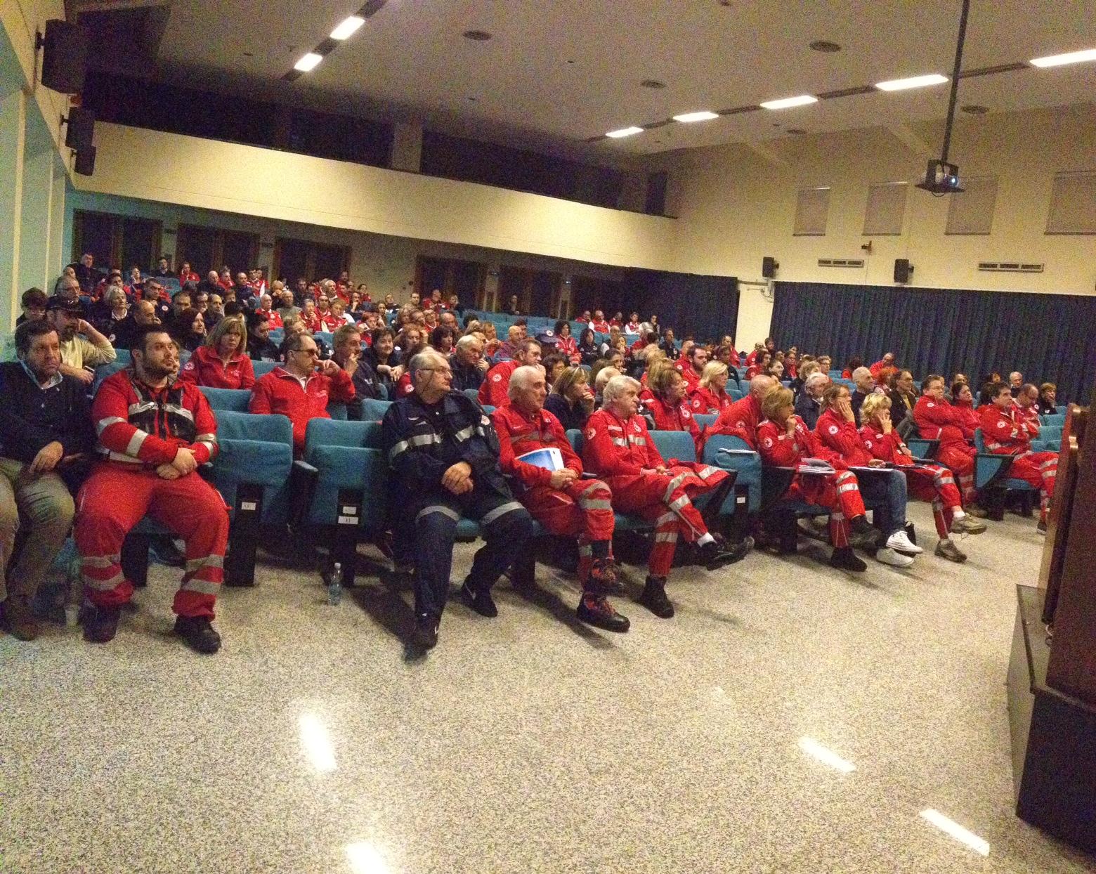 Croce Rossa, gli operatori tornano sui banchi: lezione di aggiornamento per 250