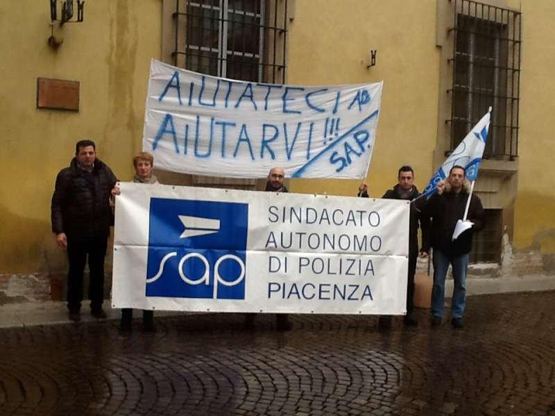 manifestazione sindacato di polizia  (1)-800