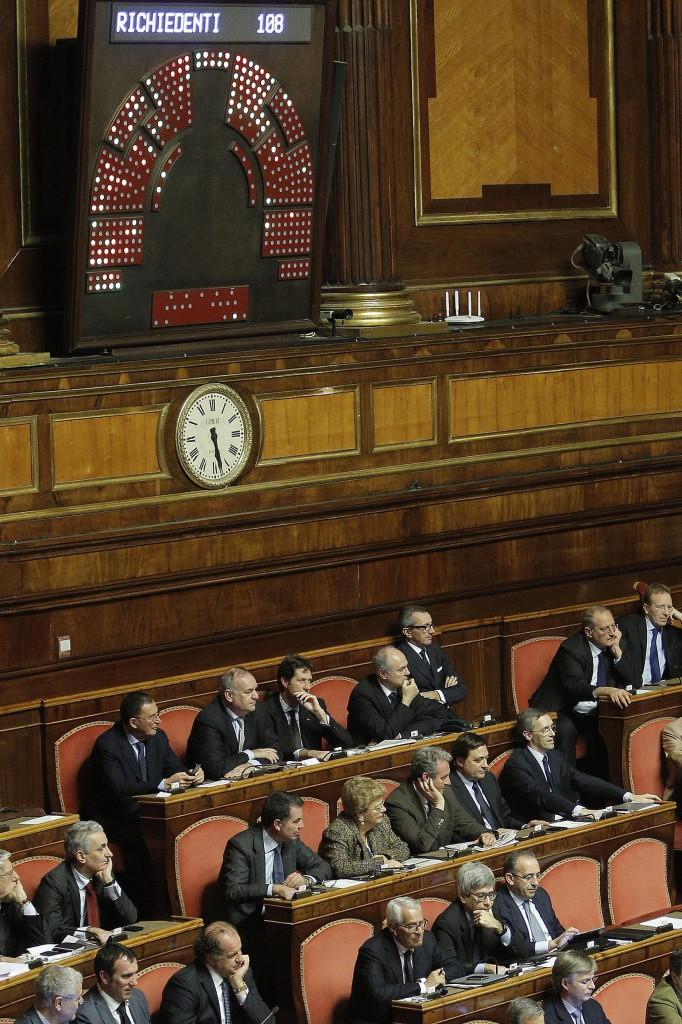 Oenate ejects Berlusconi