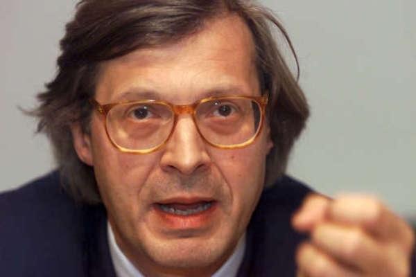 """Sgarbi presenta il suo libro: """"A Piacenza amministrazione dormiente"""""""