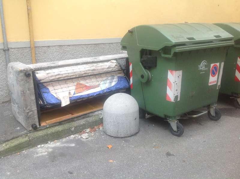 Degrado in via Ercole (2)