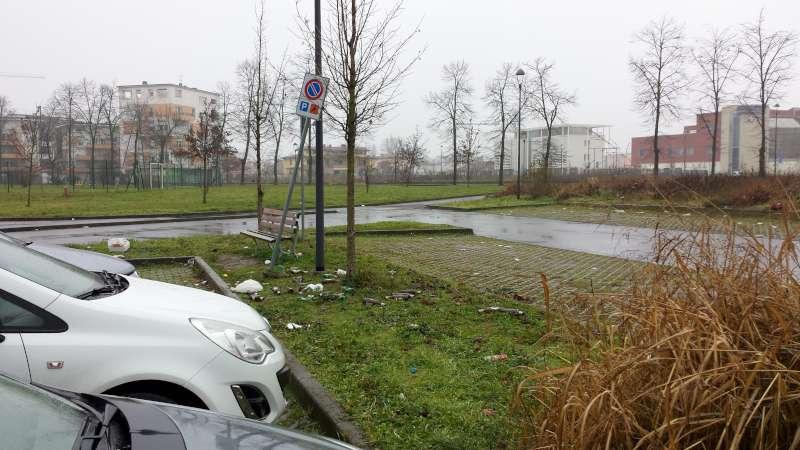 Parcheggio Via Conciliazione fronte Esselunga 1 (2)-800