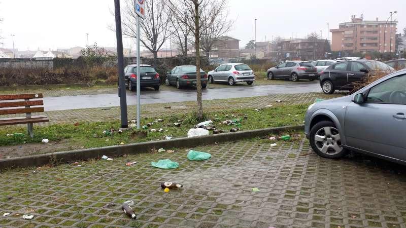 Parcheggio Via Conciliazione fronte Esselunga 2 (3)-800