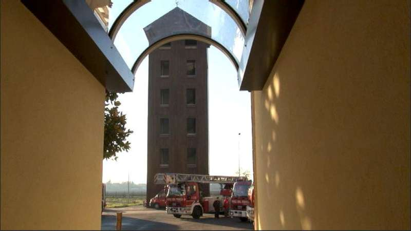 Santa Barbara, visite alla caserma dei vigili ddel fuoco (3)