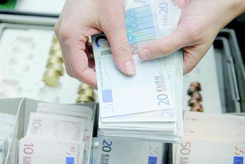 Niente più retribuzioni in contanti, dal 1° luglio scatta la nuova norma