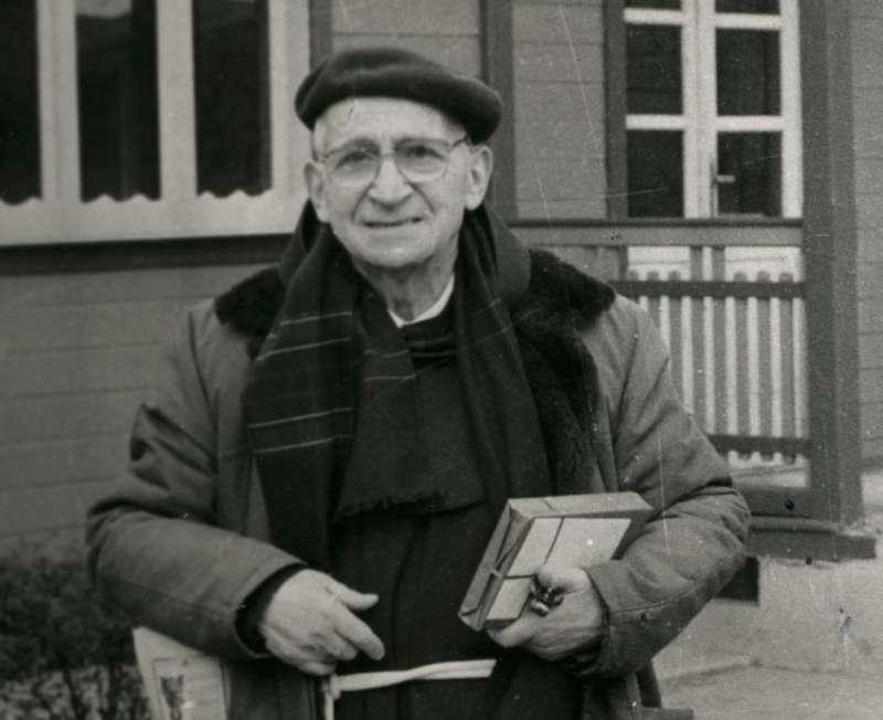 Padre Gherardo-800