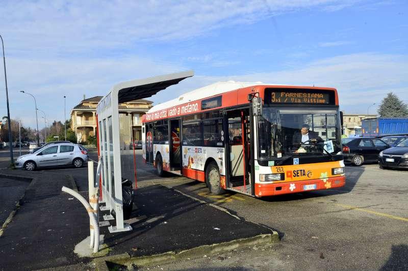Pullman, fermata del bus (3)