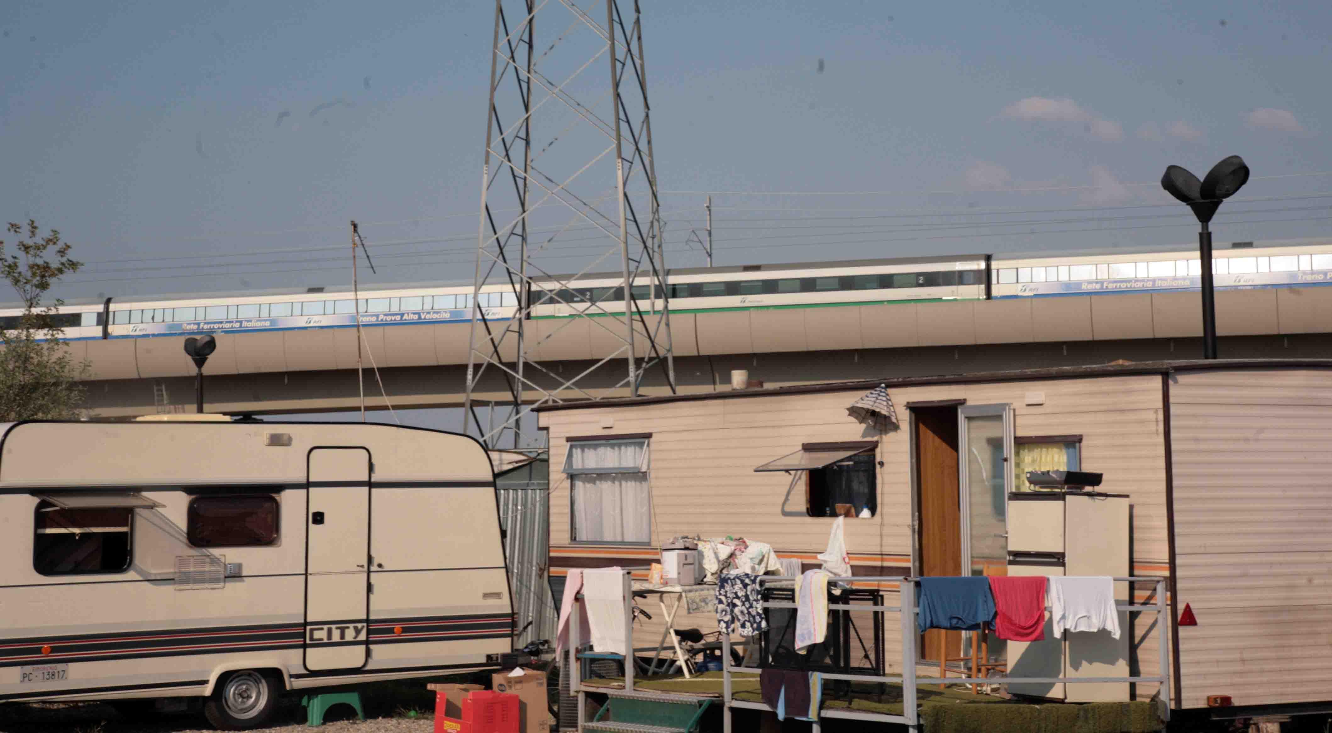 """Gestione campo nomadi, gara deserta. Comune: """"Verso la chiusura"""""""