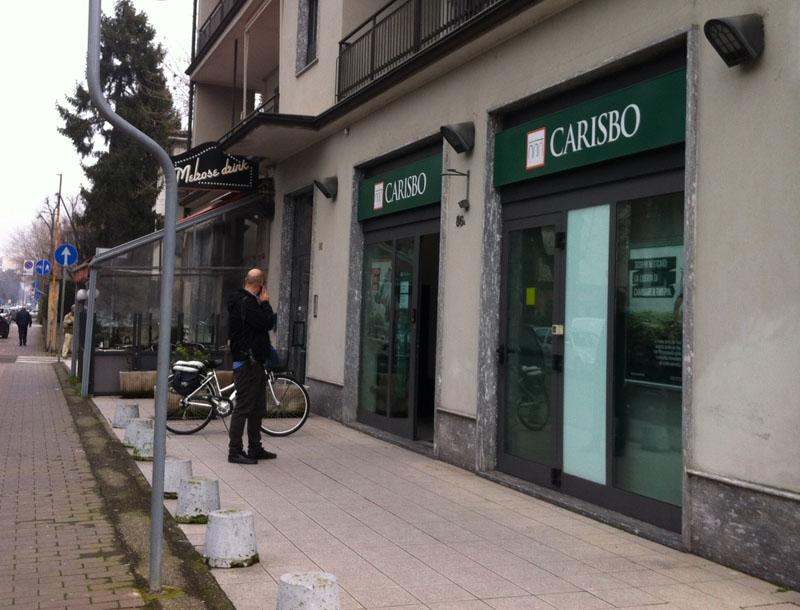 Rapina Carisbo via Vittorio Veneto