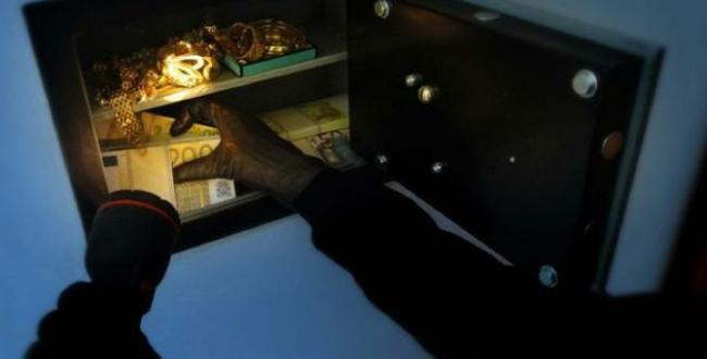 ladro in cassaforte