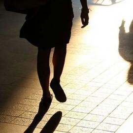 Tenta di violentare una ragazza, arrestato 25enne