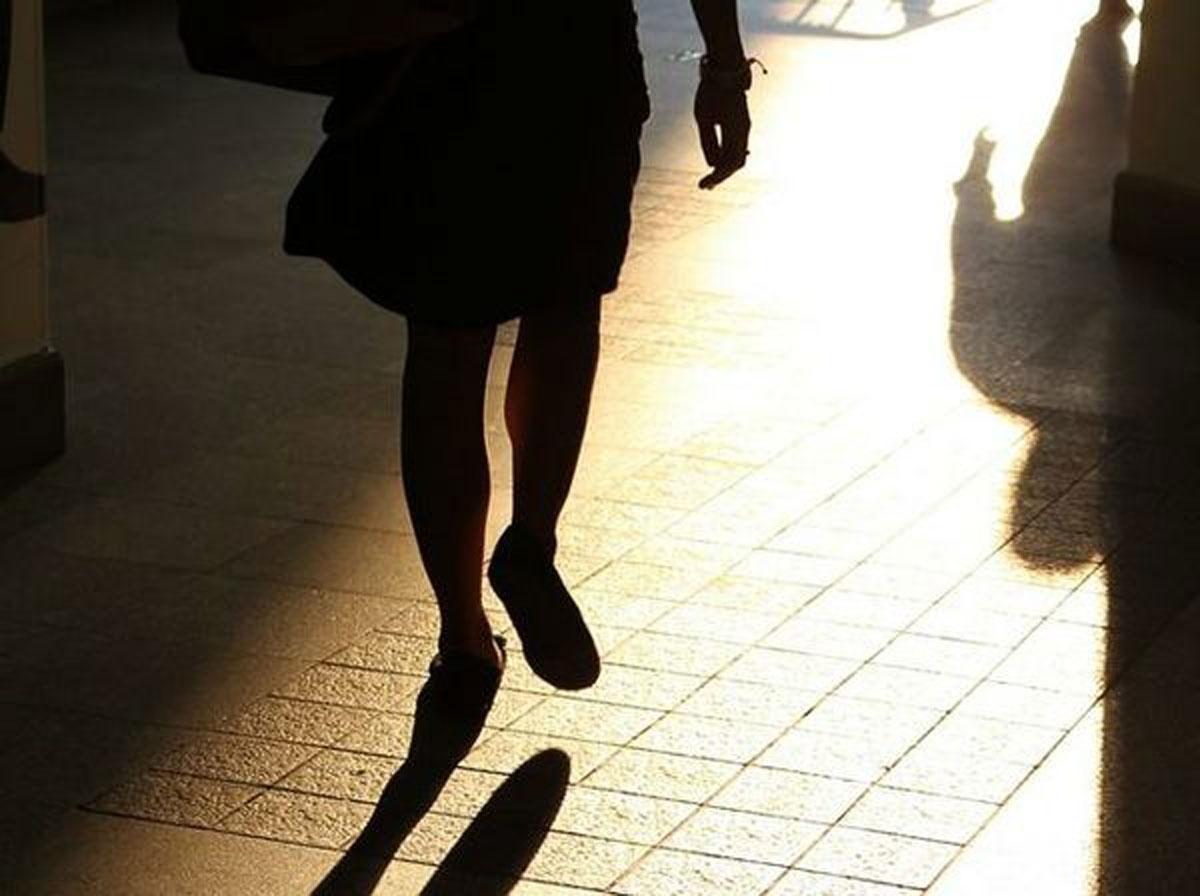 Continui messaggi ai figli in adozione: coppia accusata di stalking