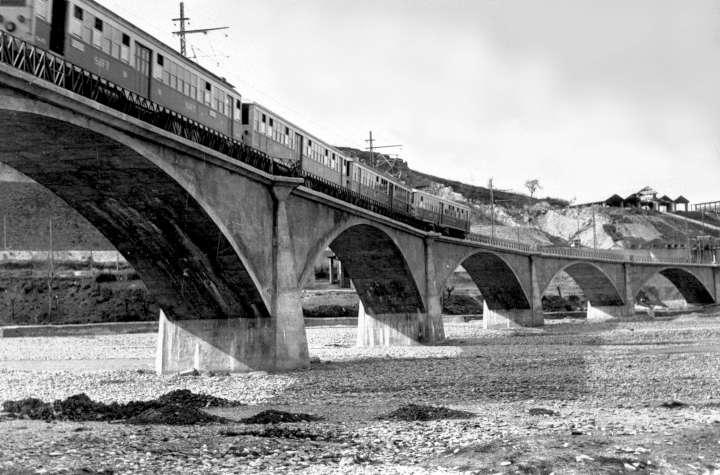 Tramvie  a vapore a Piacenza Ponte dell'Olio panorama ponte con Tram in passaggio inizio novecento  -720
