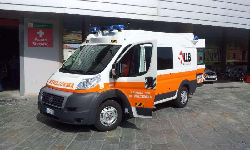 Precipita da 7 metri, ferito un giovane operaio albanese in una azienda