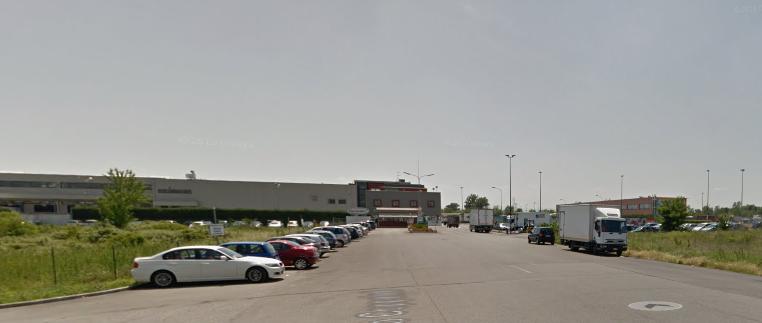 Ladri in azione in Via Coppalati: forzati 4 camion, sparisce un navigatore satellitare