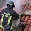 Castellarquato: tetto va a fuoco, i vigili del fuoco salvano l'abitazione